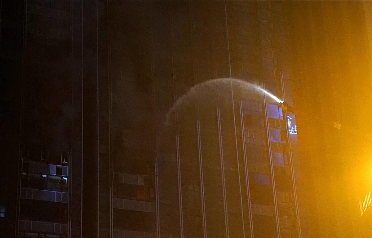 持续关注丨突发:成都塔子山公园附近一在建楼栋着火 暂无人员伤亡