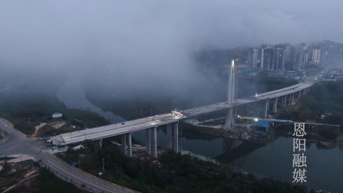巴中这座大桥有望8月通车,从城区到机场仅需20分钟
