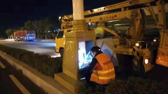 呼和浩特市改造路灯照明系统以实现能耗双控双降插图
